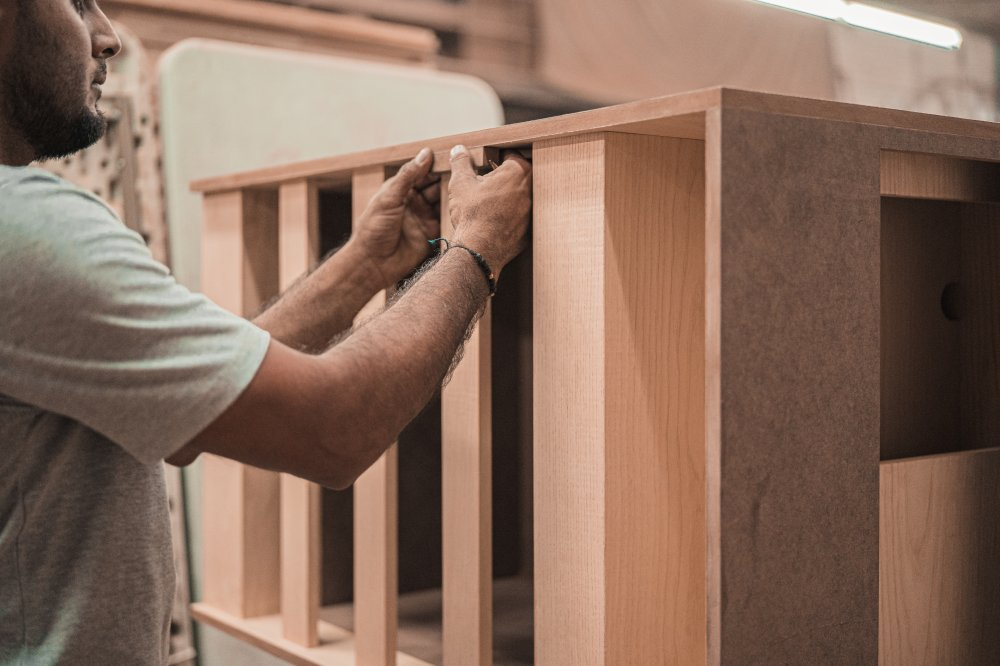 Hvad koster det at bruge en tømrer?